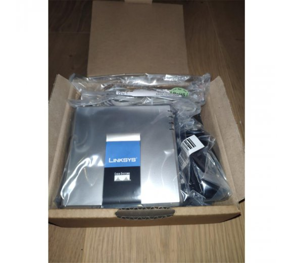 Linksys Cisco SPA2102 VoIP ATA 2x G.729 / G.726 / G.723 Telefonadapter mit 2 FXS Ports (Refurbished)